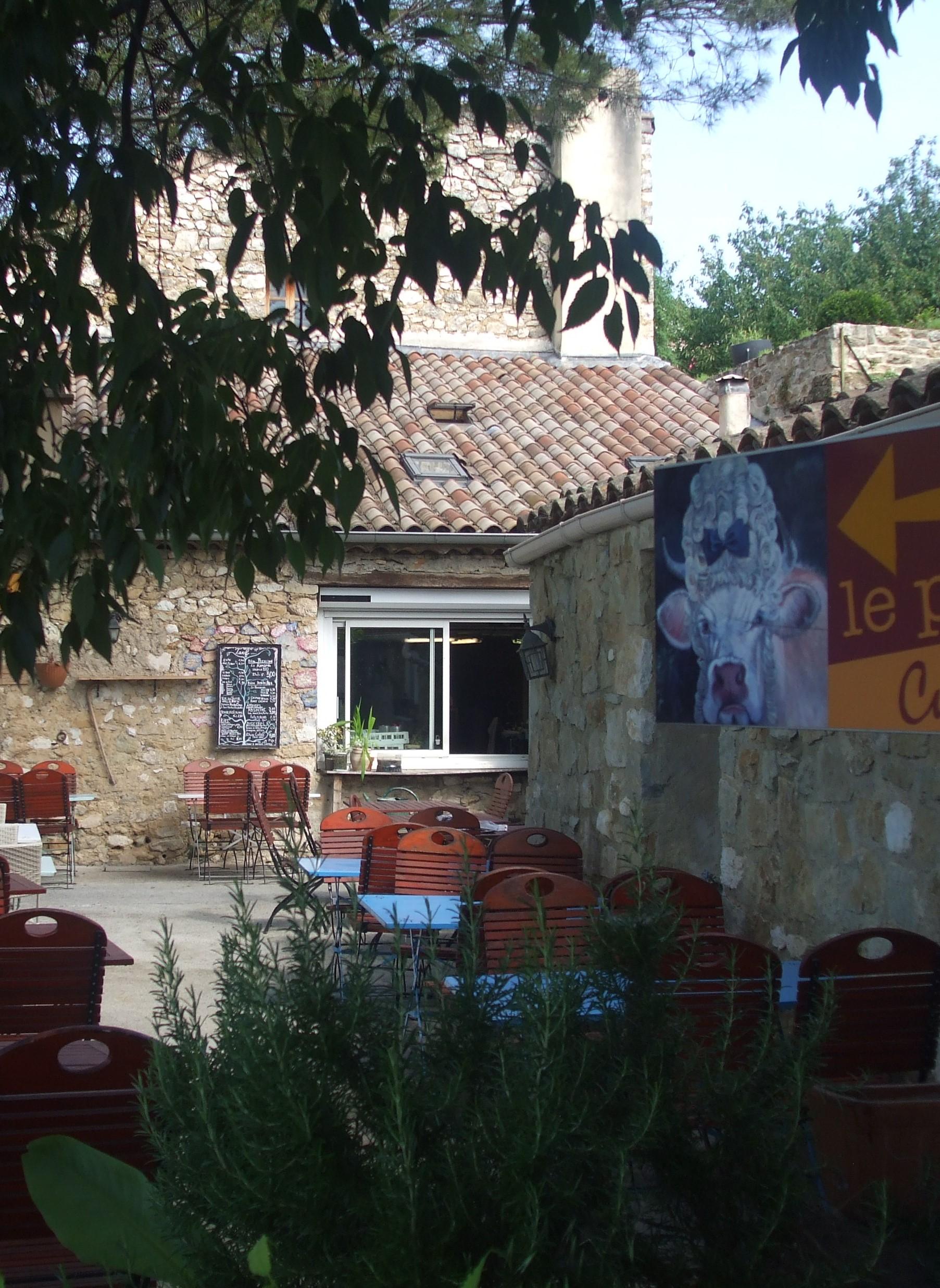 Sud Ardèche: Restaurant avec Licence IV + logement de fonction