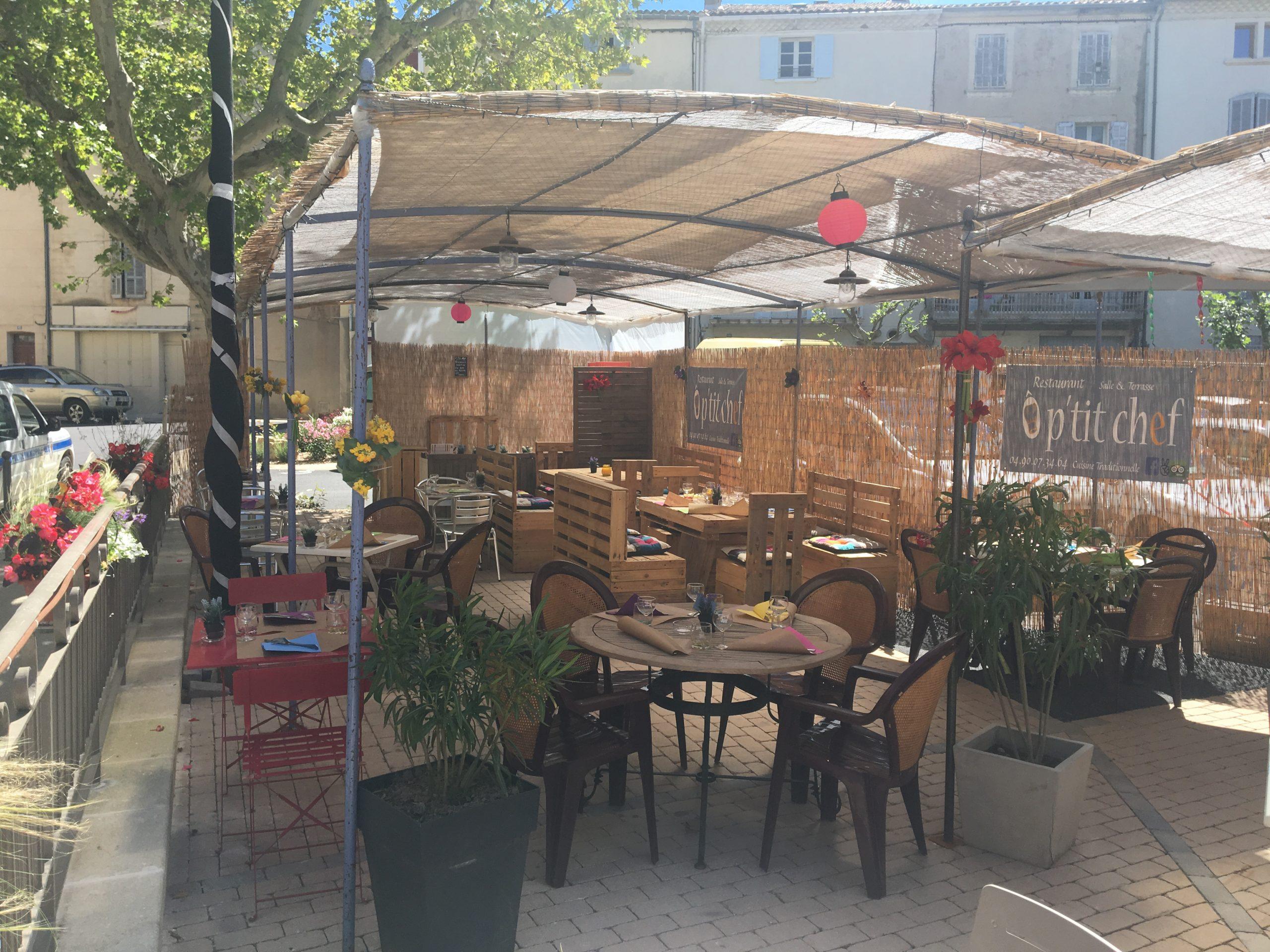 Restaurant avec grande terrasse