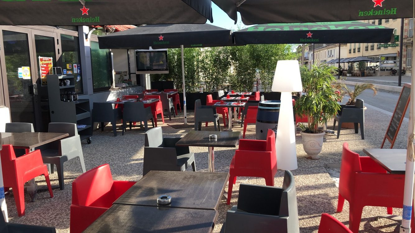 Brasserie (Licence IV)/Restaurant/PMU/FDJ aux portes de la Camargue