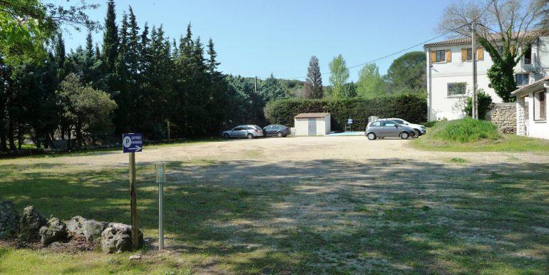 t_hotel parking fermé Ledenon